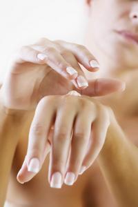 Reflexologie de la main - Soulagez-vous de ces 5 maux grâce à elle